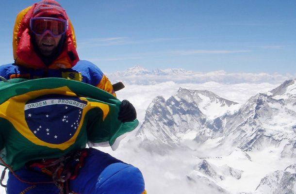 30-Waldemar-Niclevicz-no-cume-do-Everest-em-2005